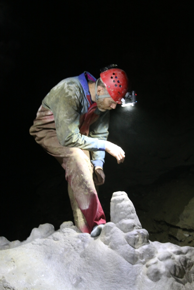 Mt Arthur to MT Luxmore [caving in New Zealand's South Island] (2/3)
